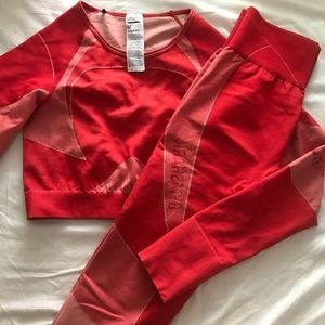 Red turbo seamless Gymshark outfit